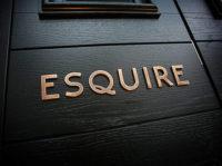 csm_esquire3_fce938709d.jpg